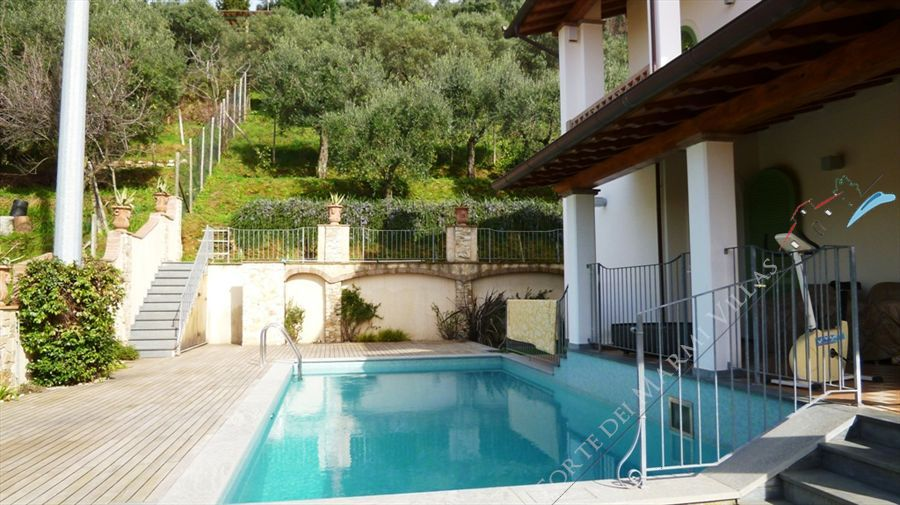Villa   Dolce  detached villa to rent Pietrasanta