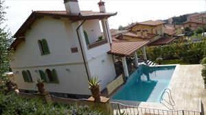 Villa   Dolce  : detached villa to rent  Pietrasanta