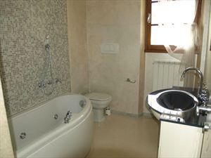 Villa Vanessa  : Ванная комната с душем