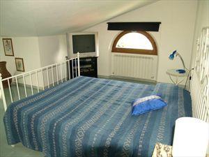 Villa Vanessa  : спальня с двуспальной кроватью