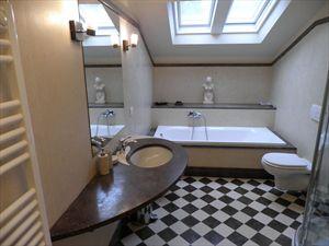Villa Cavallini : Ванная комната с ванной