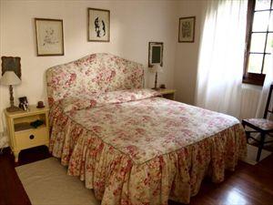 Villa dei Tigli  : спальня с двуспальной кроватью
