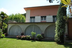 Villa Pineta : Outside view