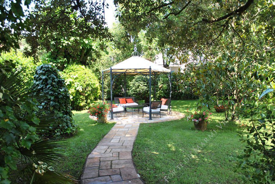 Villa Pineta : Outside view