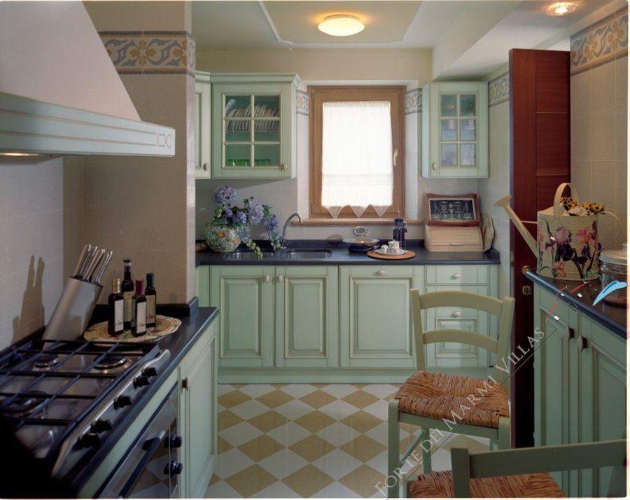 Nuova Cucina In Vecchio Stile Arredo Stile Liberty - Cucina Stile ...