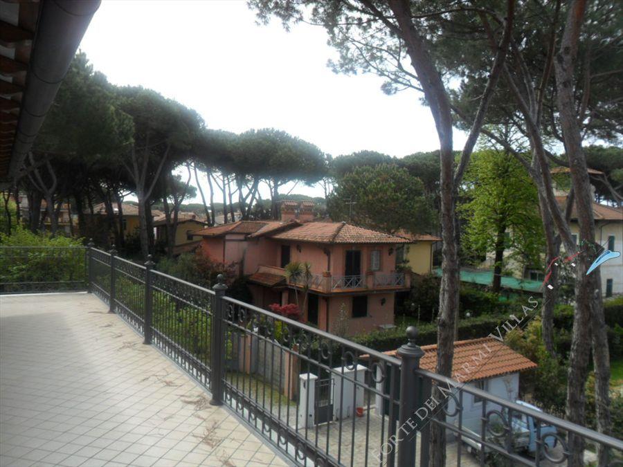 Appartamento Attico Nord apartment to rent Forte dei Marmi