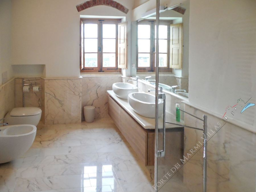 Villa Maestosa : Bathroom with shower