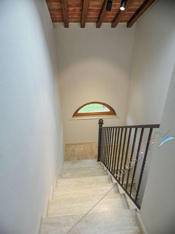 Villa Maestosa : Marble stairs