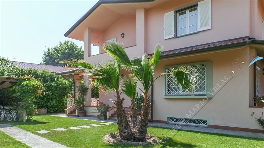 Villa Giulia - Semi detached villa To Rent Forte dei Marmi