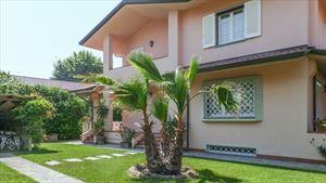 Villa Giulia - Бифамильяре Форте дей Марми