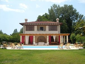 Villa Serenata  : Outside view