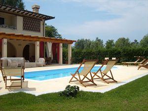 Villa Serenata  : бассейн с подогреваемой водой