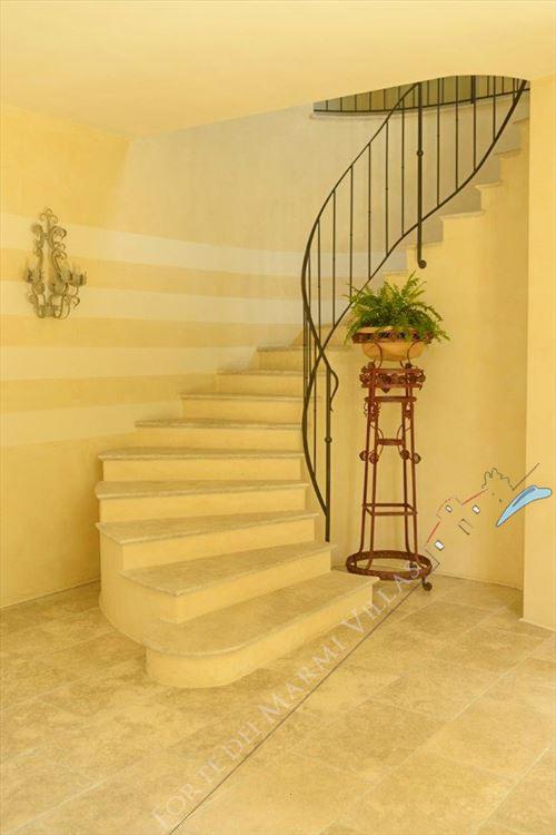 Villa Principe : Marble stairs