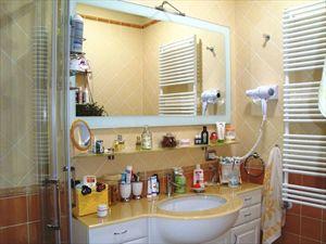 Villa Angela : Bagno con doccia
