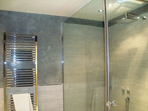 Villa Arianna : Bathroom with shower