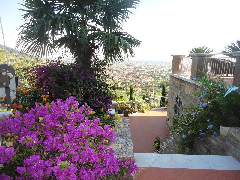 Villa Arianna : Outside view