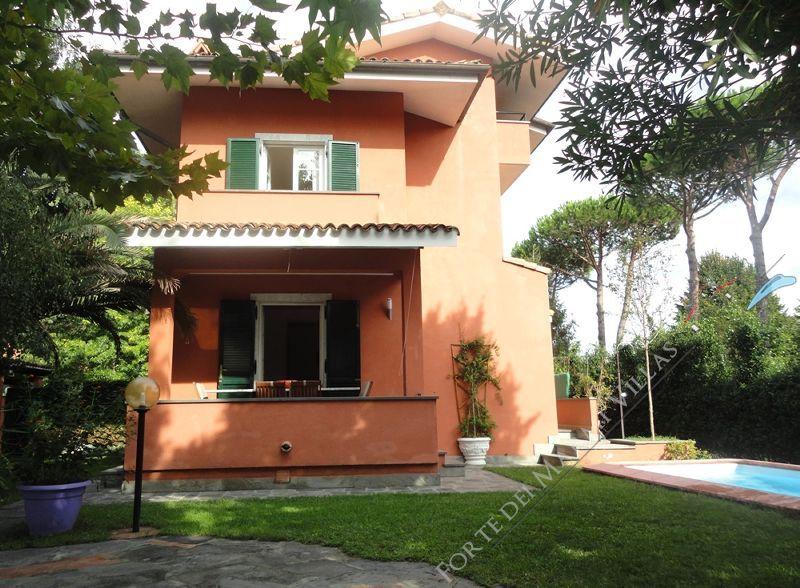 Villa del Cavaliere : Outside view