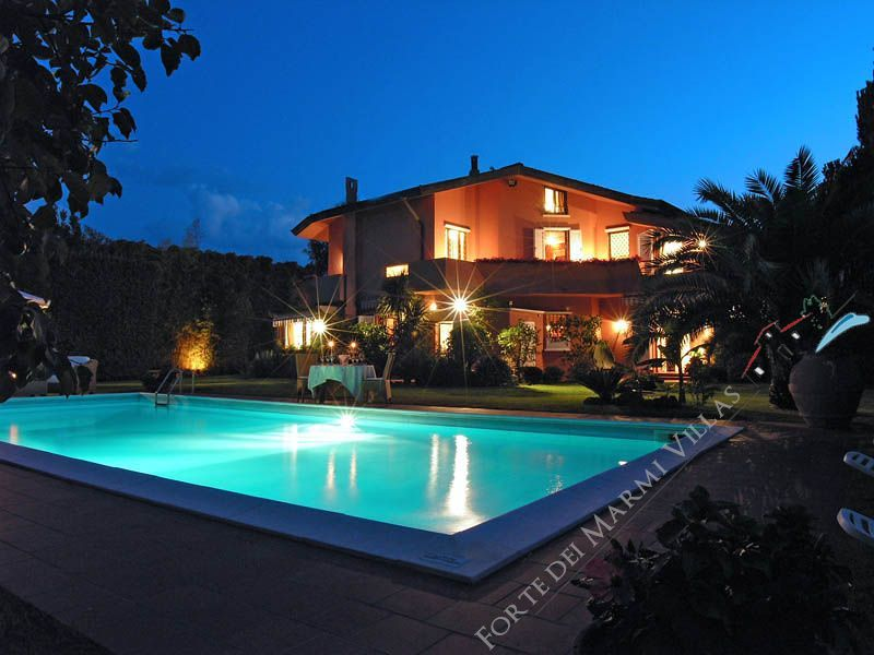 Villa Lido di Camaiore  detached villa to rent and for sale Lido di Camaiore