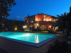 Villa con piscina  Lido di Camaiore  : detached villa to rent and for sale  Lido di Camaiore