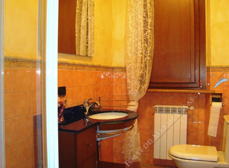 Villa Dolce Vita : Bathroom with shower