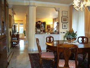 Villa dell Arte : Dining room