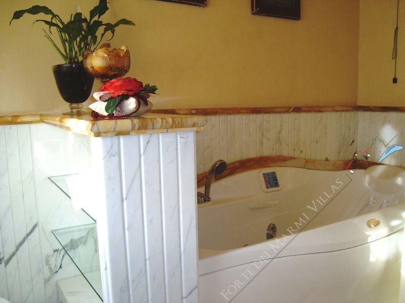 Villa dell Arte : Bagno con vasca