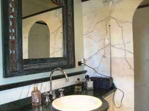 Villa dell Arte : Bathroom with shower