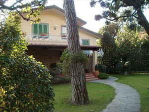 Villa dell Arte : detached villa to rent Centro Forte dei Marmi