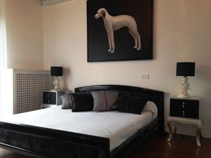 Villa Afina   : спальня с двуспальной кроватью