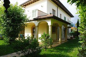 Villa Alba : villa singola in affitto e vendita Vittoria Apuana Forte dei Marmi