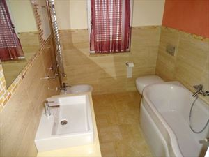 Villa Alberta : Bathroom with shower