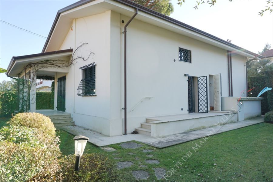 Villa Flavia - Detached villa to Rent and for Sale Marina di Pietrasanta