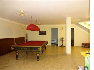 Villa Angelina : Бильярд