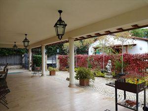 Villa Angelina : Вид снаружи