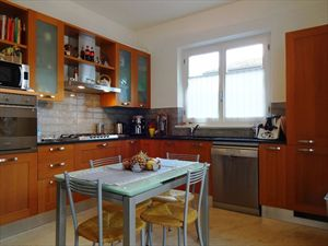 Villa  Arcobaleno  : Kitchen