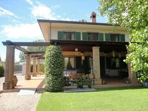 Villa Aura  : detached villa to rent Vaiana  Forte dei Marmi