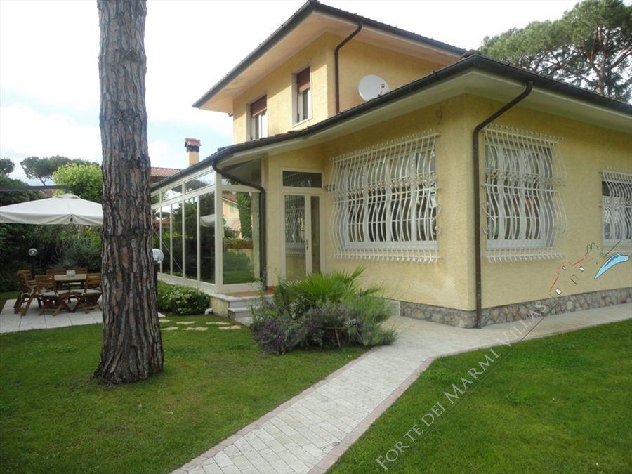 Villa Aurora  - Detached villa To Rent Forte dei Marmi