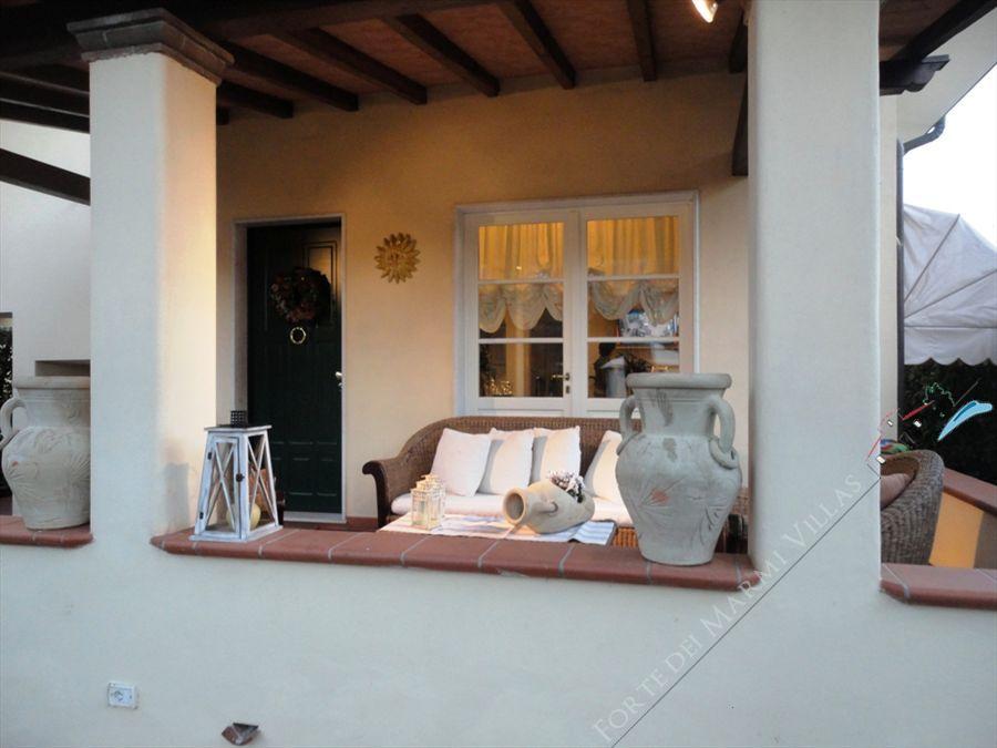Villa Azalea : Vista esterna