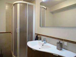 Villa Azzurra  : Ванная комната с душем