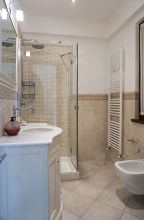 Villa Bella Donna Sud  : Bathroom with shower
