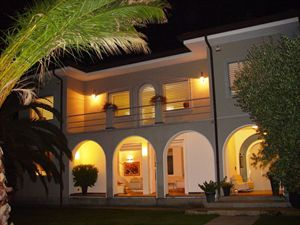 Villa Bella: Detached villa Lido di Camaiore