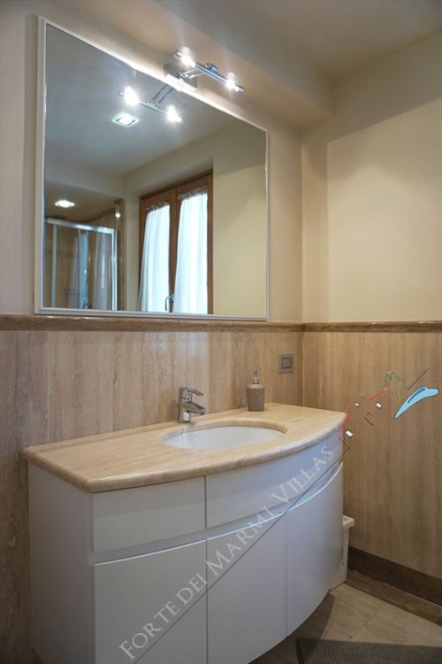 Villa Benigni  : Bathroom with shower