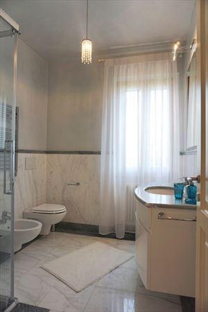 Villa Benigni  : Ванная комната с душем