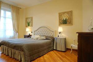 Villa Bijou : спальня с двуспальной кроватью
