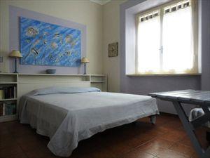 Villa Brezza  : спальня с двуспальной кроватью