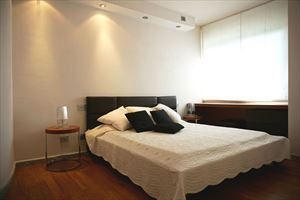 Villa  Brosio  : спальня с двуспальной кроватью