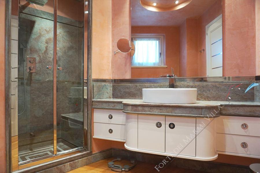 Villa  Brosio  : Bathroom