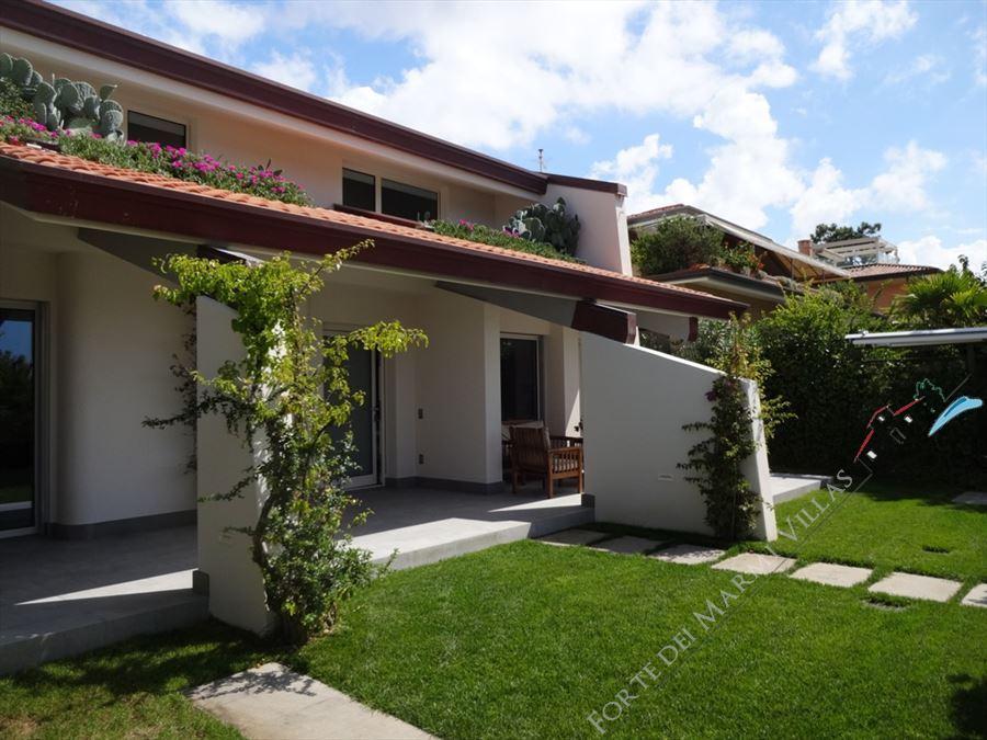 Villa Cactus : Outside view