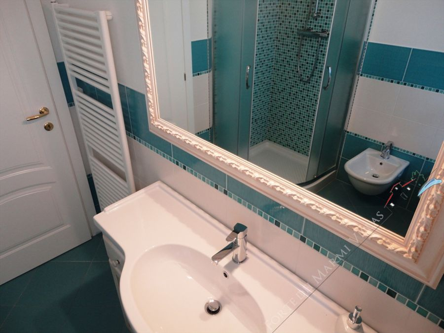 Villa Calipso : Bathroom with shower