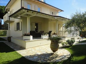 Villa Calipso : detached villa to rent and for sale  Marina di Pietrasanta
